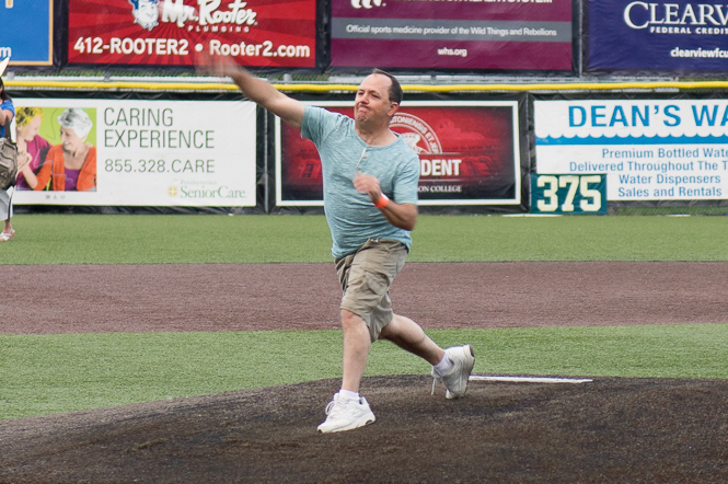 Yoder tosses out first pitch at Wild Things game